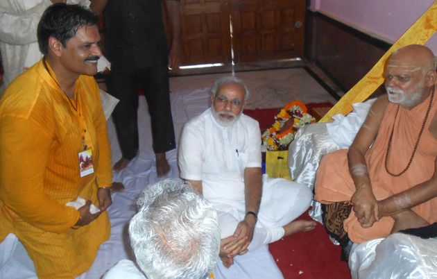 Narendra_Modi_at_the_Jagannath_Temple